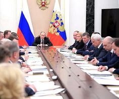 Vladimir Putin held a meeting with Government members to discuss Russia's socioeconomic priorities for 2017.