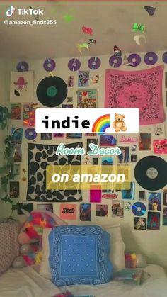 Indie Bedroom Decor, Indie Room, Room Design Bedroom, Room Ideas Bedroom, Chambre Indie, Pinterest Room Decor, Cool Teen Bedrooms, Otaku Room, Neon Room