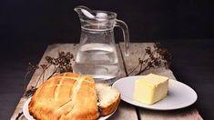 Domácí máslo je stejně návykové jako domácí chleba Good To Know, French Toast, Bread, Cheese, Breakfast, Food, Morning Coffee, Brot, Essen