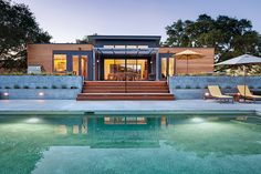 Dwell's popular Home Tours included a Breezehouse by Blu Homes in Healdsburg as a bonus tour during this spring's Marin Home Tours.