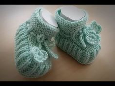 Crochet Baby Socks, Knit Baby Shoes, Knit Baby Booties, Knitted Baby Clothes, Knit Boots, Crochet Bebe, Knit Crochet, Baby Slippers, Knitted Slippers