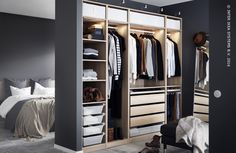 Wat een dressing! Ontdek onze PAX opbergoplossingen in alle afmetingen, kleuren en stijlen. #IKEABE    What a wardrobe! Discover our PAX storage solutions in all sizes, styles and colors. #IKEABE