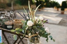 Table Decorations, Plants, Furniture, Home Decor, White Rose Flower, Bodas, Room Decor, Flora, Home Furnishings