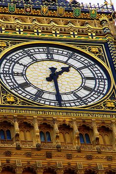 Big Ben is the nickname for the great bell of the clock at the north end of the Palace of Westminster in London, UK. London Famous Places, Westminster, London Bridges Falling Down, Big Ben, World Street, Perth Western Australia, London Landmarks, Pub, Medieval
