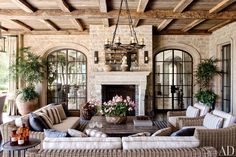 Inside Tom Brady and Gisele Bündchen's 'French Chateau via the Pacific Coast Highway' - The Printed Page - Curbed National