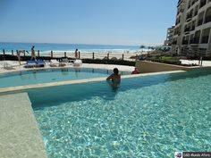 Hoje estava fazendo um post review sobre um dos hotéis que ficamos hospedadas em Cancun no México e bateu uma saudades daquele paraíso que resolvi postar uma foto de lá !!!! Já inventaram o teletransporte? Quero me teletransportar para lá AGORA kkkk.  http://ift.tt/209pybY