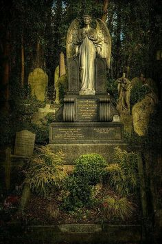 Highgate Cemetery, London #londonghosts #cemetery #demon #london #deadlive www.deadlive.co.uk
