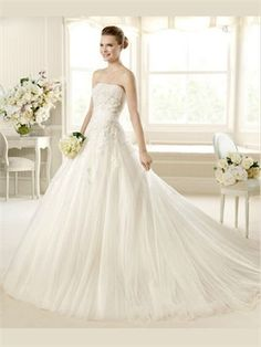 White Ball Gown Strapless Tulle Wedding Dress