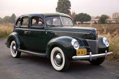 1940 Ford DeLuxe Sedan Flathead V8