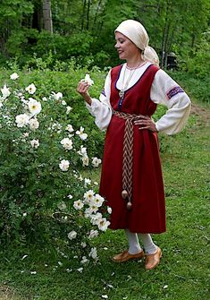 Folk Costume, Costumes, Russian Art, Traditional Outfits, Finland, Hipster, Clothes For Women, Female, Folk Clothing
