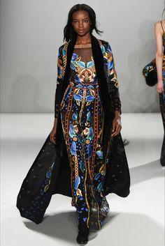 Картинка с тегом «fashion, haute couture, and runway»