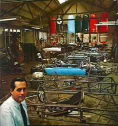 Atelier Jack Brabham c.1965 - L#8217;automobile N238#160;Fvrier 1966