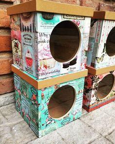 Galletiteros!! ❤❤ . ⭐TIENDA ONLINE www.dulcemorada.com.ar⭐ . #deco #home… Decoupage Art, Decoupage Vintage, Craft Bags, Vintage Box, Room Organization, Cozy House, Decorative Items, Diy Crafts, Outdoor Decor