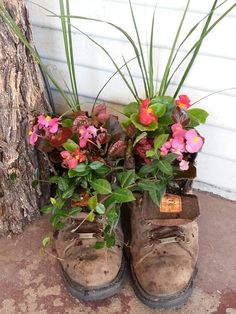 Dont leave anythibg on my poarch ill plant it..lol...I planted these flowers in an old pair of my brothers work boots