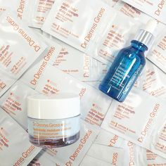Peel away the winter with @drdennisgross skincare! We will be having complimentary peels with your two product purchase! Sarah from Dr. Dennis Gross will be here from 12-5! There are still some spots open! Book by calling (631) 287-2900 // #whitessouthampton #drdennisgross by whitessouthampton
