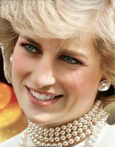 Lady Diana Spencer, Princesa Diana, Princess Of Wales, Queen Of Hearts, Most Beautiful Women, Beauty, Royals, Princesses, Famous People