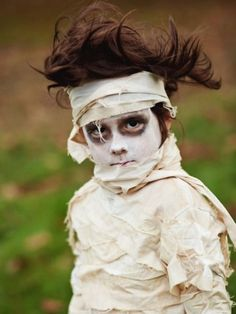 Faschingskostüme-für-Kinder-selbergemacht-Mumie-make-up