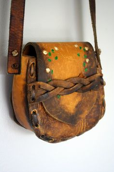 WOODSTOCK vintage leather purse.  Yes, please!!