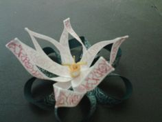 Flower ribbon sculpture for hairclip