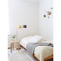 Fitted Sheets and Pillowcases Bedroom Furniture, Bedroom Decor, Bedroom Interiors, Cheap Bed Linen, Toddler Girl Bedding Sets, Shared Bedrooms, Dorm Bedding, Cool Beds, Decoration