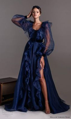 Elegant Dresses For Women, Pretty Dresses, Elegant Dresses Classy, Classic Dresses, Dior Haute Couture, Couture Fashion, Ball Gowns Evening, Blue Evening Dresses, Maxi Robes
