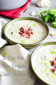 21 Day Fix New England Clam Chowder - a healthy version of the traditional soup recipe, perfect for lunch or dinner!