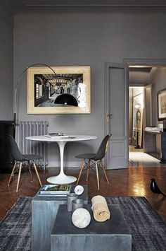 Sillas Eames y mesa Tulip - living room Decor, Interior, Home, Interior Design Trends, Gray Interior, House Interior, Living Room Grey, Interior Design, Grey Dining