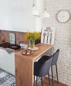The 26 Greatest Small Kitchen Design Ideas for Your Tiny Spa.- The 26 Greatest Small Kitchen Design Ideas for Your Tiny Space Source by xoLouisa - Studio Kitchen, New Kitchen, Kitchen Dining, Studio Apartment Kitchen, Kitchen Cabinets, Brick Wall In Kitchen, Kitchen Countertops, Small Dining Table Apartment, Kitchen Bar Counter