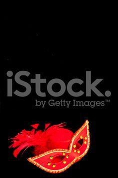 Maschera di carnevale e red hat. - fotografia stock royalty-free
