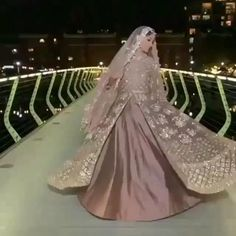 Party Wear Indian Dresses, Desi Wedding Dresses, Designer Party Wear Dresses, Indian Bridal Outfits, Indian Fashion Dresses, Pakistani Bridal Dresses, Pakistani Mehndi Dress, Indian Wedding Video, Wedding Videos