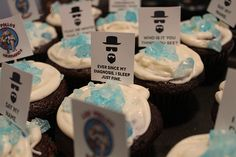 Breaking Bad and Cupcake Fails Breaking Bad Birthday, Breaking Bad Party, Breaking Bad Cupcakes, Baking Bad, Best Tv Shows, Healthy Treats, Fails, Birthdays, Sweets
