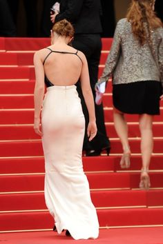 Emma Watson - Cannes 2013 : back is stunning