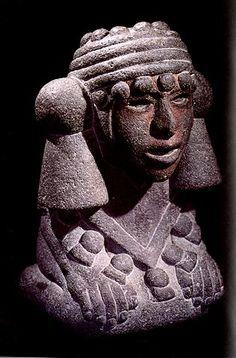"""Chalchiuhtlicue, deidad mexica de las aguas mansas, lagos, lagunas y pozos (del """"agua horizontal"""") Pareja o contraparte de Tlaloc, deidad de la fertilidad (en todas sus acepciones) de la lluvia y los rayois (""""agua vertical"""")"""