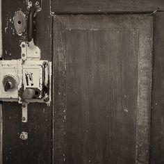 Beeld Foto Video Exposure uitgebracht op 25-06-2017 Exposureis een serie met foto-experimenten. SONY DSC De serie is gemaakt in juni/juli 2017 Zelfportretten uitgebracht op 25-06-2017 Zelfportrettenis een serie met acryl bewerkte foto's. De serie is gemaakt in juni/juli 2017 Bloodsom uitgebracht op18-06-2016 Bloodsom is eenvideo overcontrast. Lente en groei staan tegenover dood en vernietiging. Bloodsom ... Lees verder...