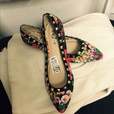 Studded flats shoes ! Floral studded flats shoes size 8 Rue 21 Shoes Flats & Loafers