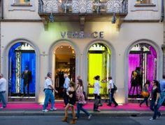 Een weekend in Modestad #Milaan! Hier ontdek je de modetrends bij de bron. Vergaap je aan de prachtige etalages van de grote designers of als je portemonnee het toelaat ga je er natuurlijk shoppen. #weekendjeweg