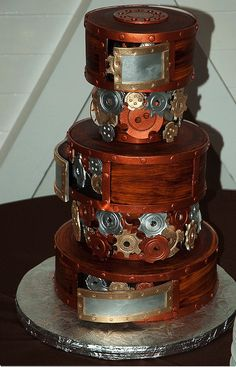 Looking for steampunk wedding ideas? We have pics plus a comprehensive list of the accents, colors, and styles you need to pull off steampunk weddings. Unique Wedding Cakes, Unique Cakes, Creative Cakes, Wedding Ideas, Geek Wedding, Wedding Themes, Trendy Wedding, Wedding Stuff, Wedding Flowers