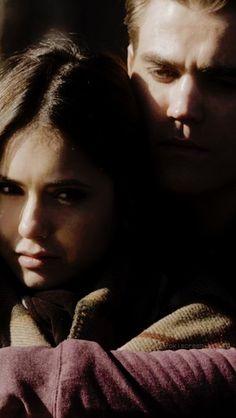 Paul Wesley Vampire Diaries, Vampire Diaries Stefan, Vampire Diaries Seasons, Vampire Diaries Cast, Vampire Diaries The Originals, Stefan E Elena, Popular Book Series, Vampire Daries, Vampire Diaries Wallpaper