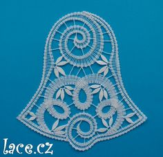 Bobbin Lace Patterns, Lacemaking, Lace Heart, Lace Jewelry, Simple Art, Lace Knitting, Christmas And New Year, Lace Detail, Tatting