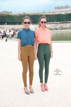 twin looks in unexpected color combinations