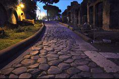 Roma -La Via sacra. Cosiddetta perché Romolo e Tito Tazio vi firmarono la pace dopo il Ratto delle Sabine.
