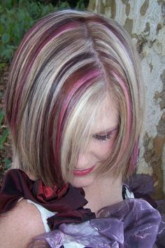 I would love to get these blonde and pink highlights!