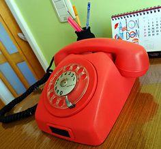 Antes e Depois: Telefone retrô colorido.