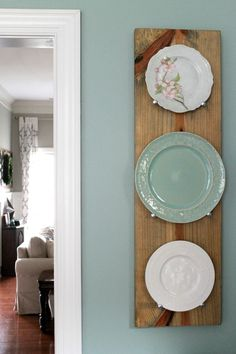 50 Simple and Cozy Farmhouse Wall Decor Ideas - Page 49 of 50 Modern Farmhouse Decor, Farmhouse Kitchen Decor, Farmhouse Wall Art, Farmhouse Chic, Plate Wall Decor, Plates On Wall, Teal Kitchen Decor, Kitchen Ideas, Teal Kitchen Walls