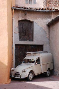 Citroën 2CV commercial van. v@e.