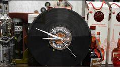авторские часы из виниловых пластинок