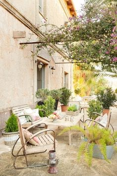 Dreamy courtyard at Hotel Villa Station in Ses Salines . Mallorca, Spanien | Spain