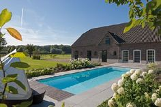 Gardenplaza - Fertigschwimmbecken mit Massageanlage holt den Urlaub nach Hause - Das Wellness-Paradies im Garten