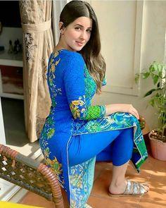 Punjabi dress punjabi beauty Desi Girl Image, Girls Image, Punjabi Dress, Punjabi Suits, Salwar Suits, Salwar Kameez, Hot Goth Girls, Pakistani Models, Attractive Girls