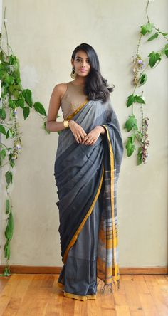 Ohh my gooddd!! I am falling for this saree